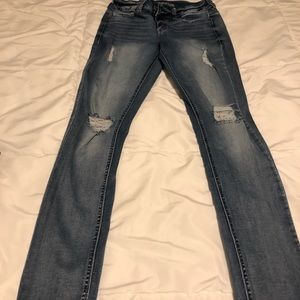 Maurices  SMALL REGULAR Jeggings REG WASH w HOLES